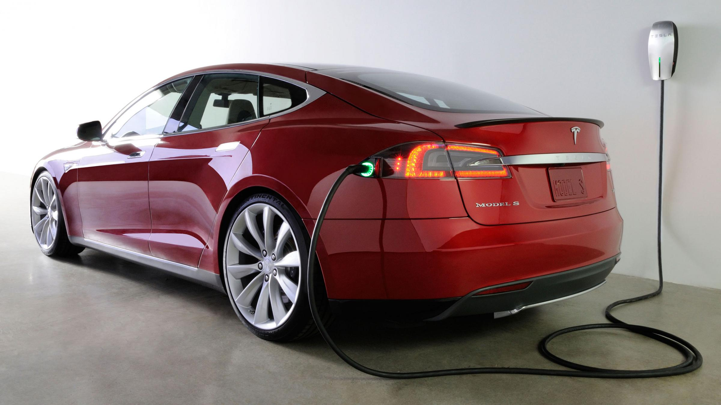 Model S - Tesla Motors - Tanken